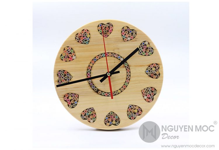 Art Love Color Wood Clock