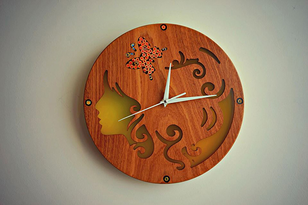 Art wood clocks