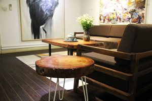 How to Clean Wood Tables And Wood Decorations