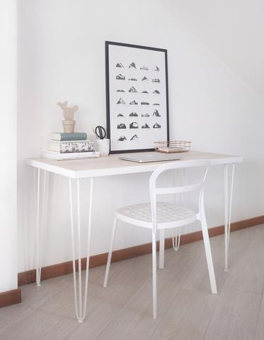 Minimal Nordic style desk with white hairpin legs