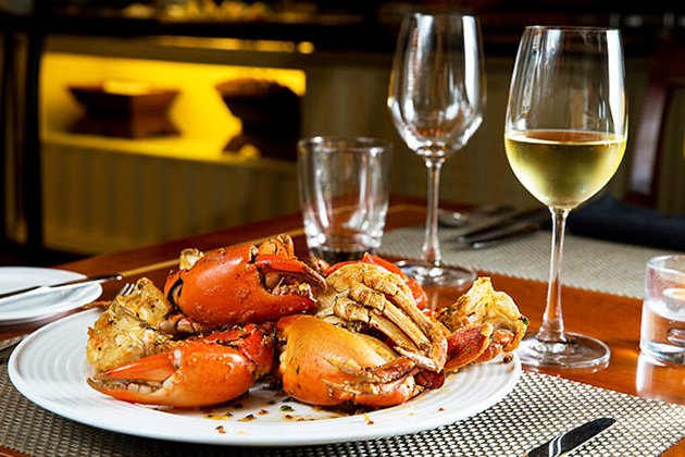 Should white wine be served with dishes
