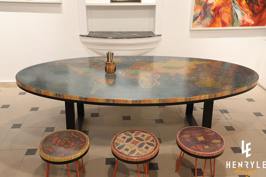 The World Colored-Pencil Table 3
