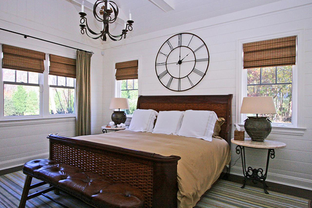 Wall Clock In The Bedroom