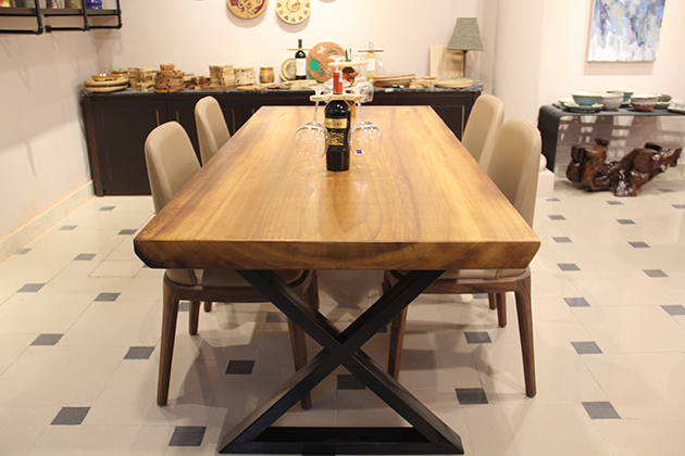 Wooden dining table protects your health